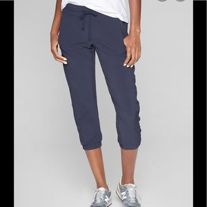 Athleta La Viva crop joggers